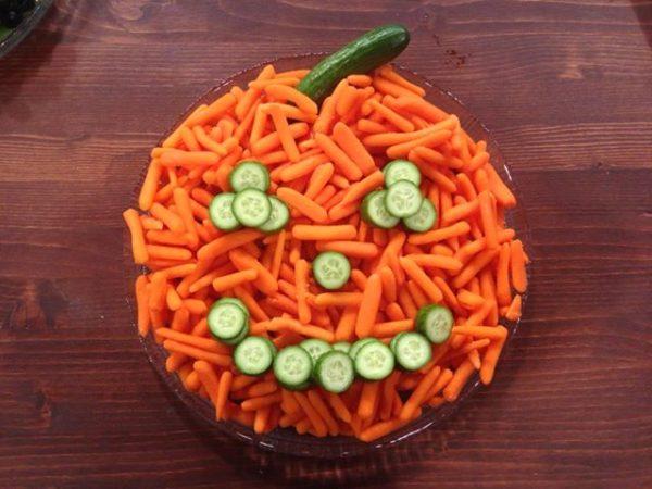 Easy Halloween Veggie Tray