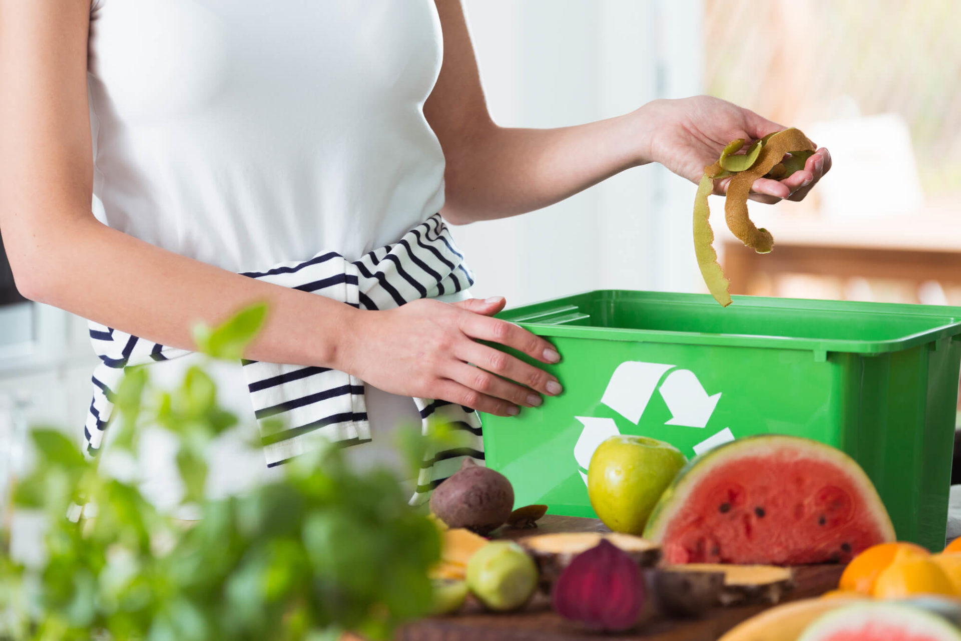 7 Simple Ways to Reduce Kitchen Waste