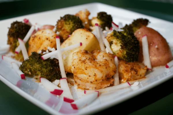 Simple Shrimp Veggies Sheet Pan