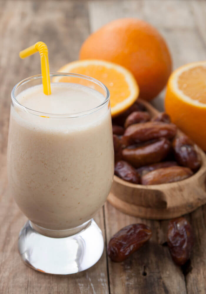 How To Eat Fresh Dates - Date Smoothie