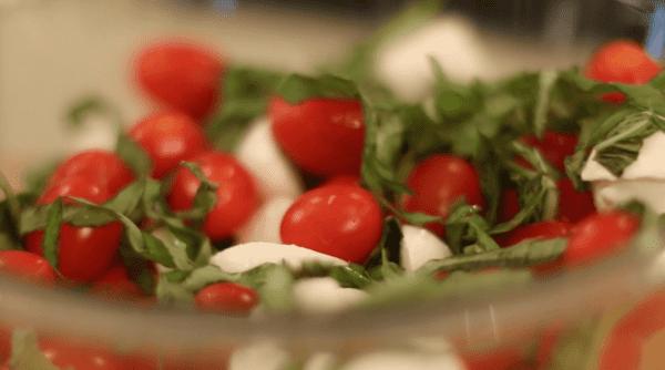 Easy Caprese Tomato Salad