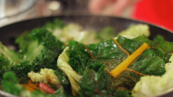 How to Prepare Steamin' Greens | Quick and Easy Side Dish Recipe