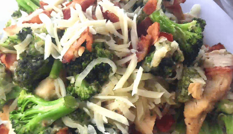 "Chicken Bacon Broccoli Kohlrabi ""Linguine"""