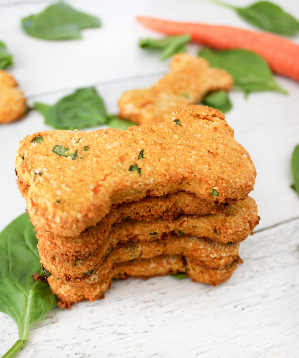 Grain Free Carrot And Spinach Dog Treats The Produce Moms