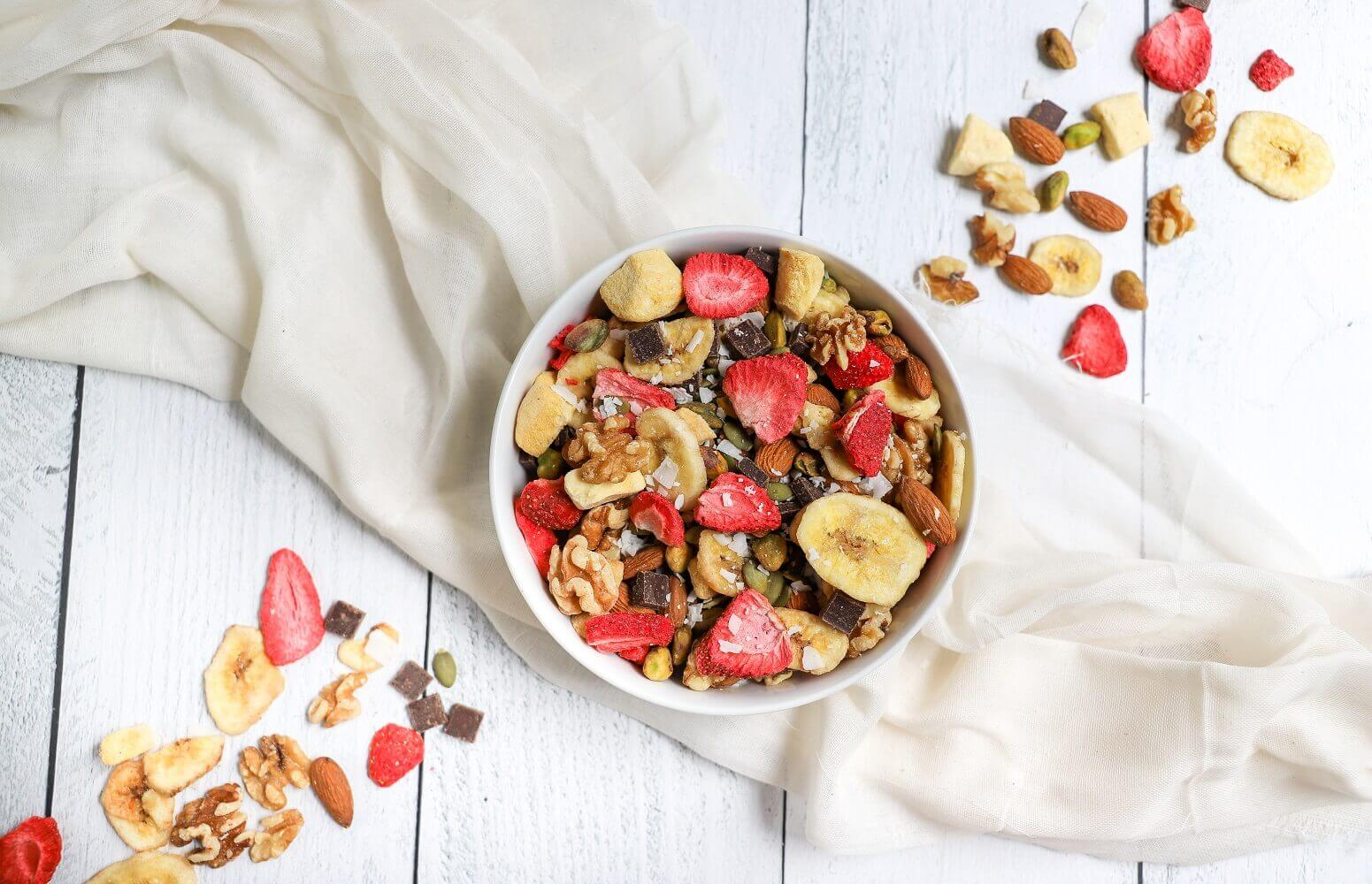 homemade trail mix featured image