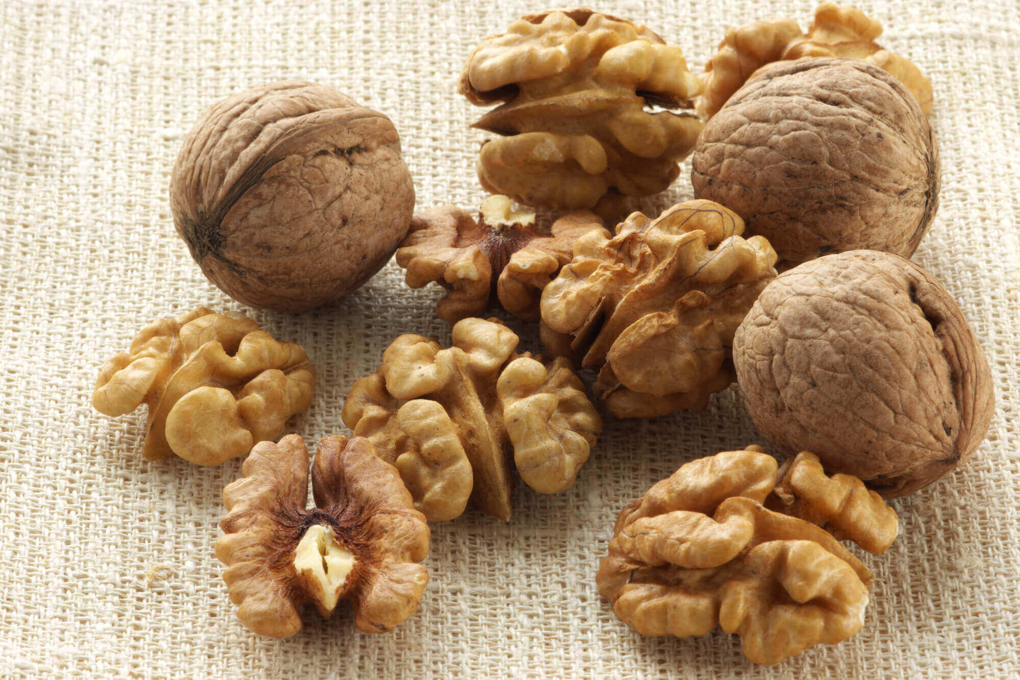 Walnuts as after school snacks
