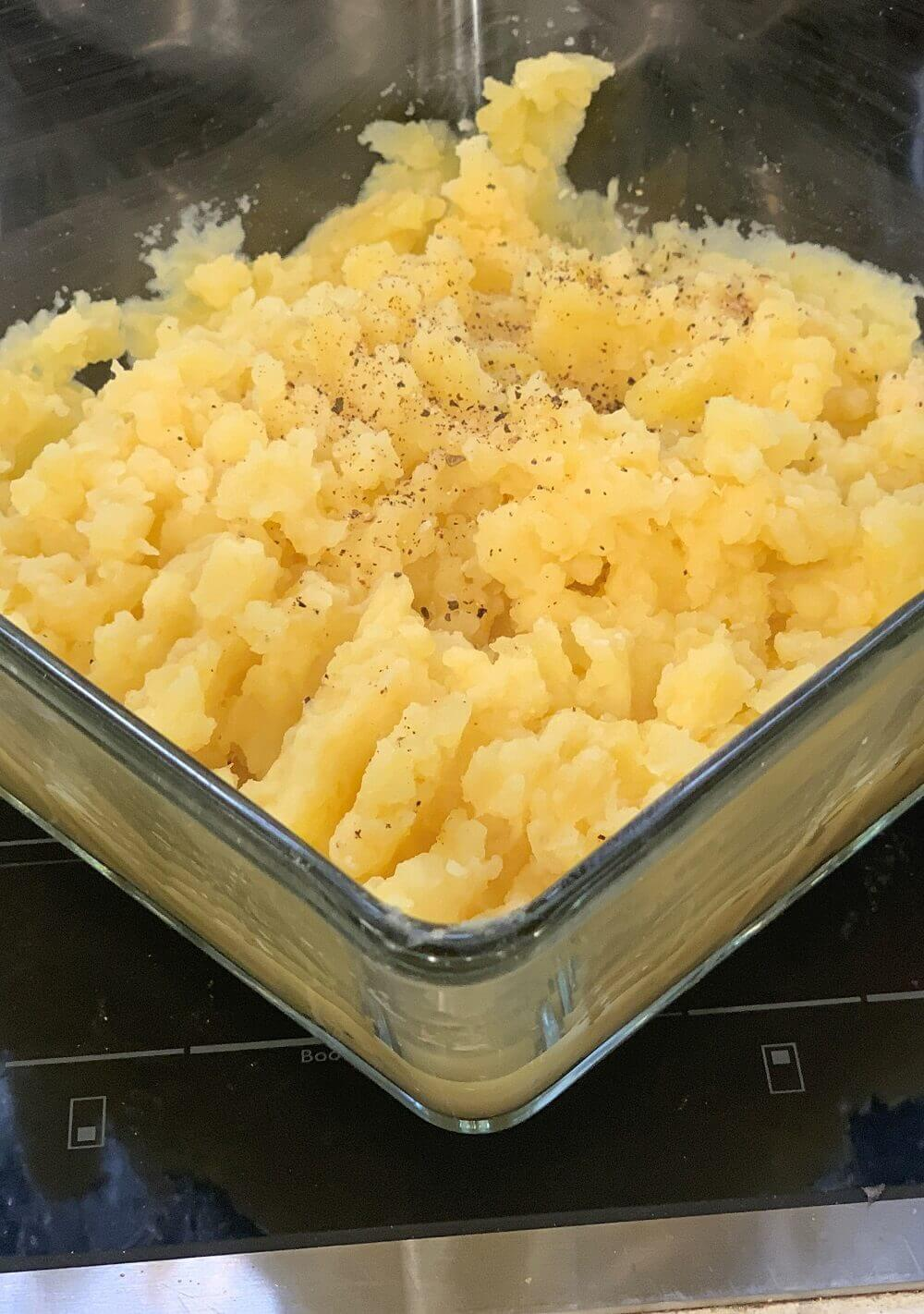 Traditional Mashed Potatoes for a Thanksgiving with fruits and vegetables.