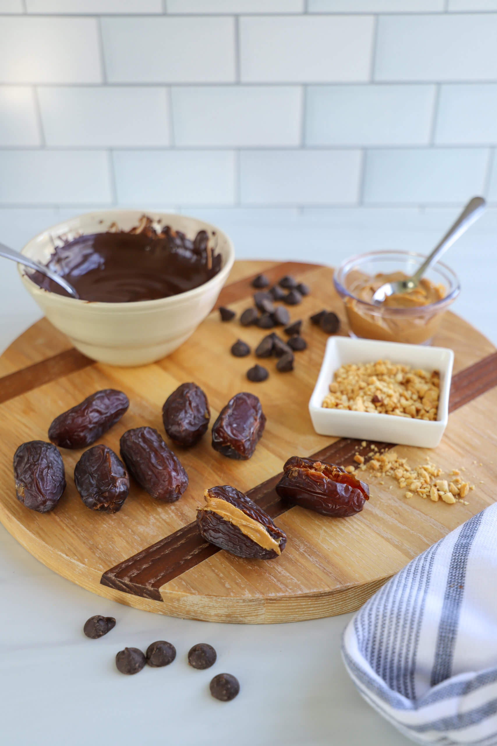 Ingredients for Chocolate-Dipped Peanut Butter Stuffed Dates