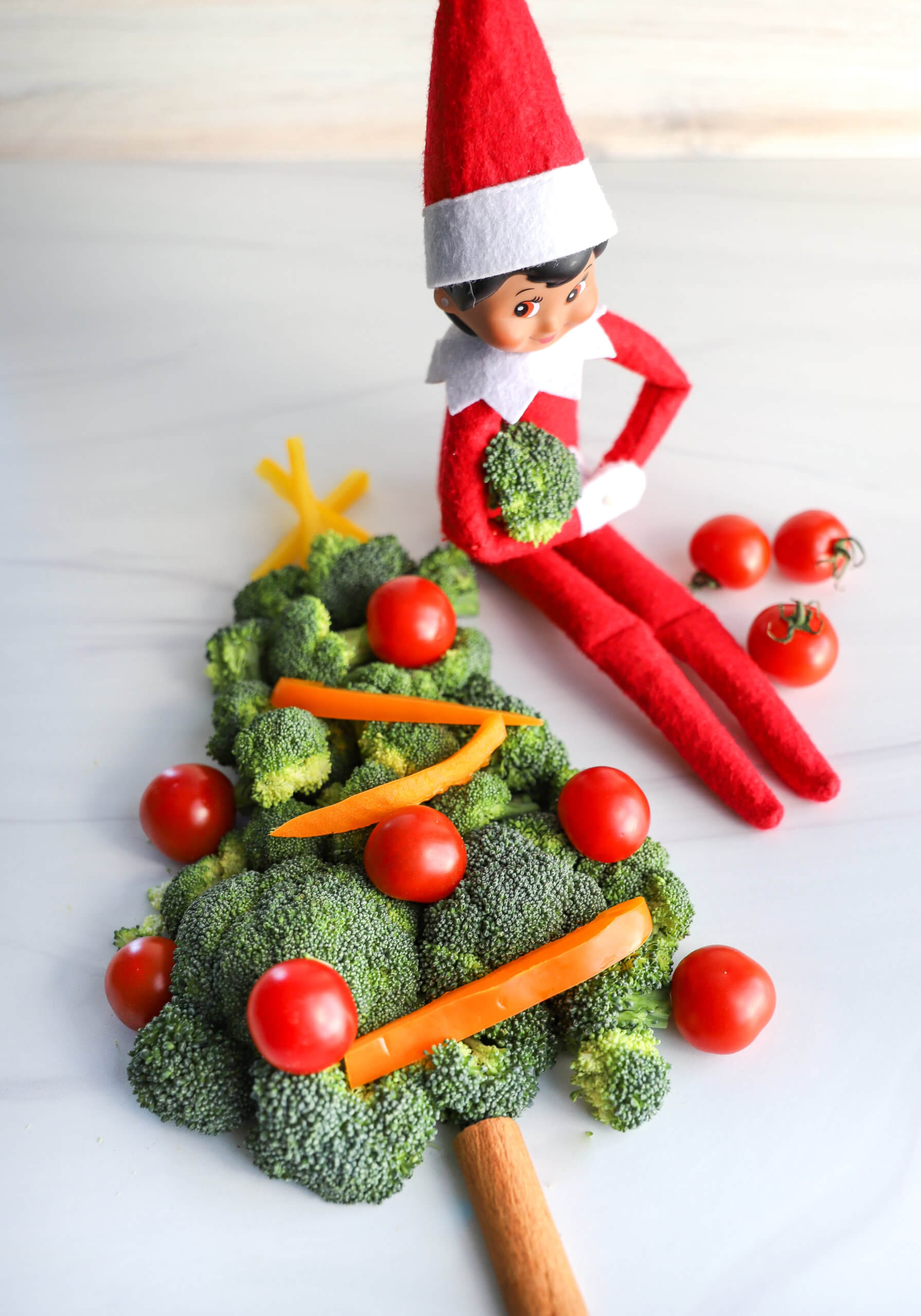 Easy Elf on the Shelf Ideas: Veggie Christmas Tree