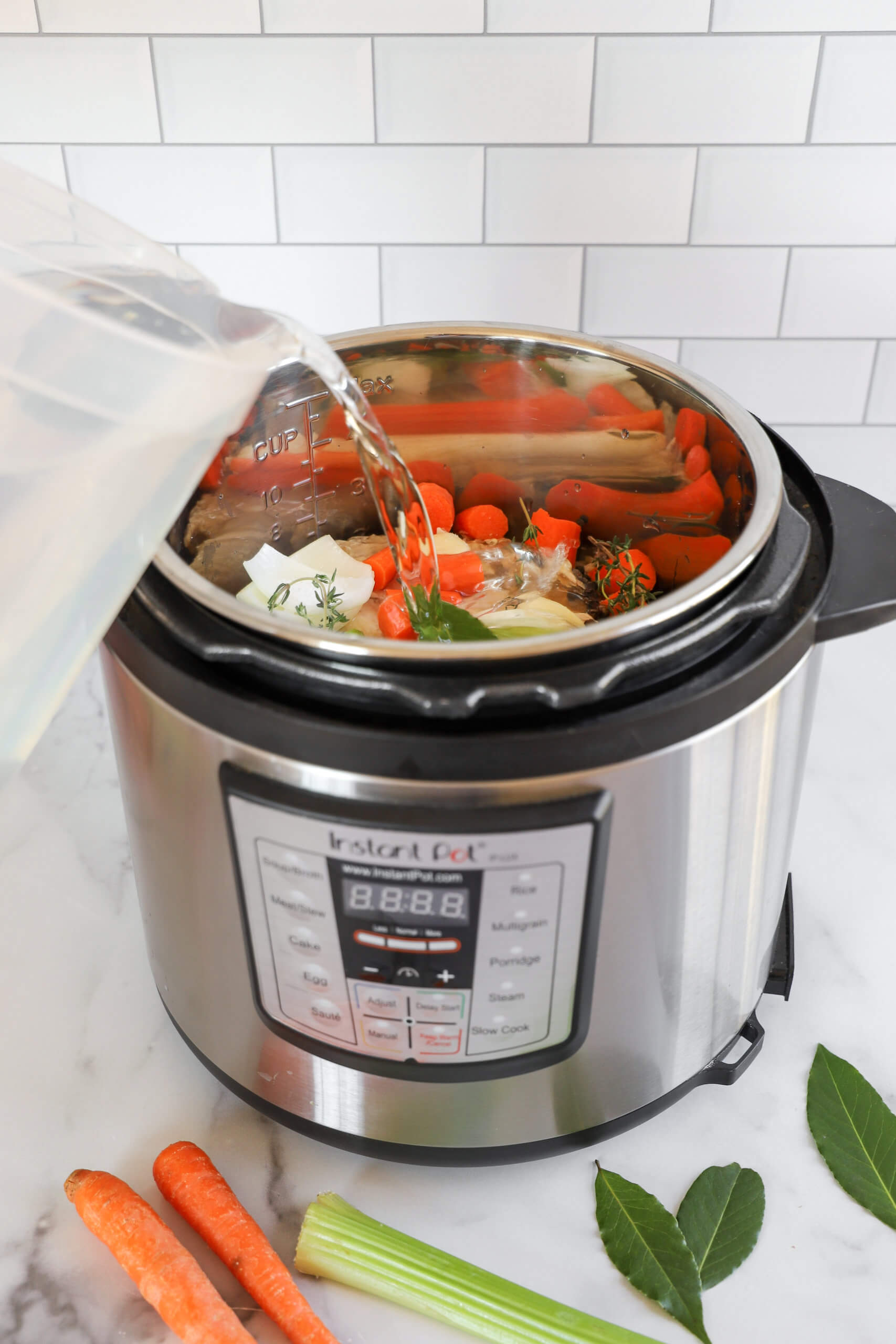 How to make chicken stock in an Instant Pot